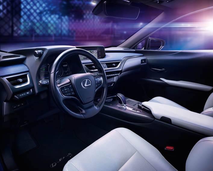 Lexus-UX-300e-electrico_interir