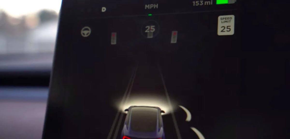 Visualización de un semáforo con el nuevo Autopilot de un Tesla Model 3