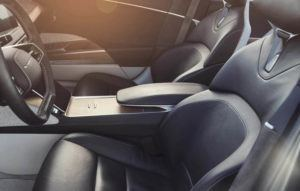 lucid-air-sedan-lujo-electrico_interior-plazas-delanteras2