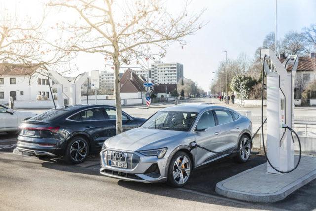 Audi_e-tron_Sportback_55_quattro_cargando