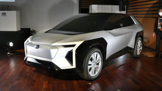 Subaru-toyota-suv-electrico_2