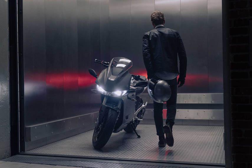 Zero-SR_S_ascensor