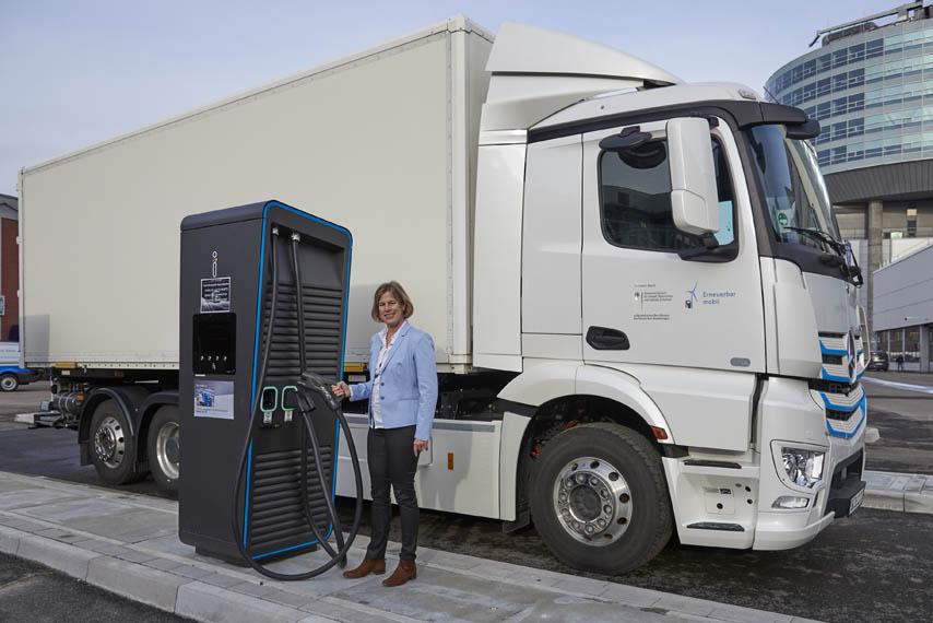 punto-carga-camiones-electricos