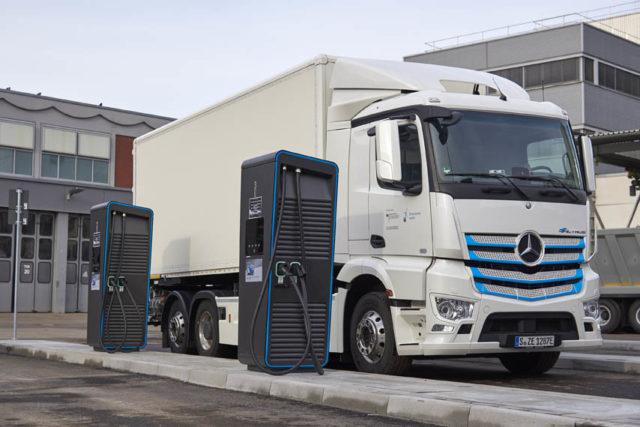 punto-carga-camiones-electricos_2