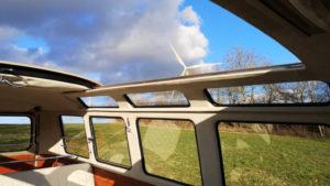 volkswagen-t1-samba-bus-transformacion-eclassics-e_bulli-electrica_techo