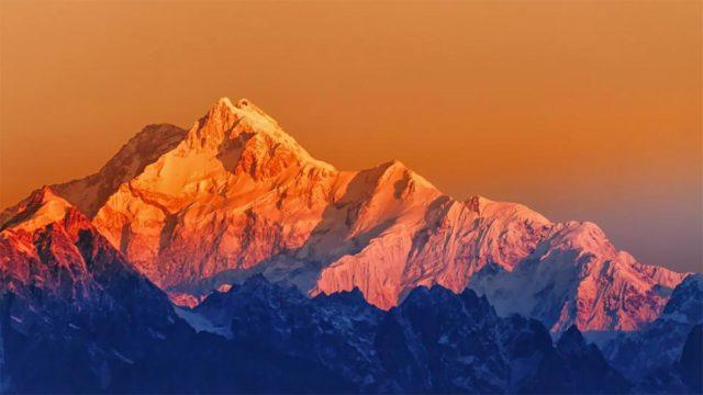Foto del Himalaya tomada desde la India a 200 kilómetros de distancia