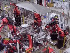Fábrica de Tesla en China, foto del interior