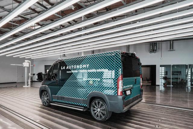 nueva-furgoneta-electrica-autonoma-Karma-L4-E-Flex