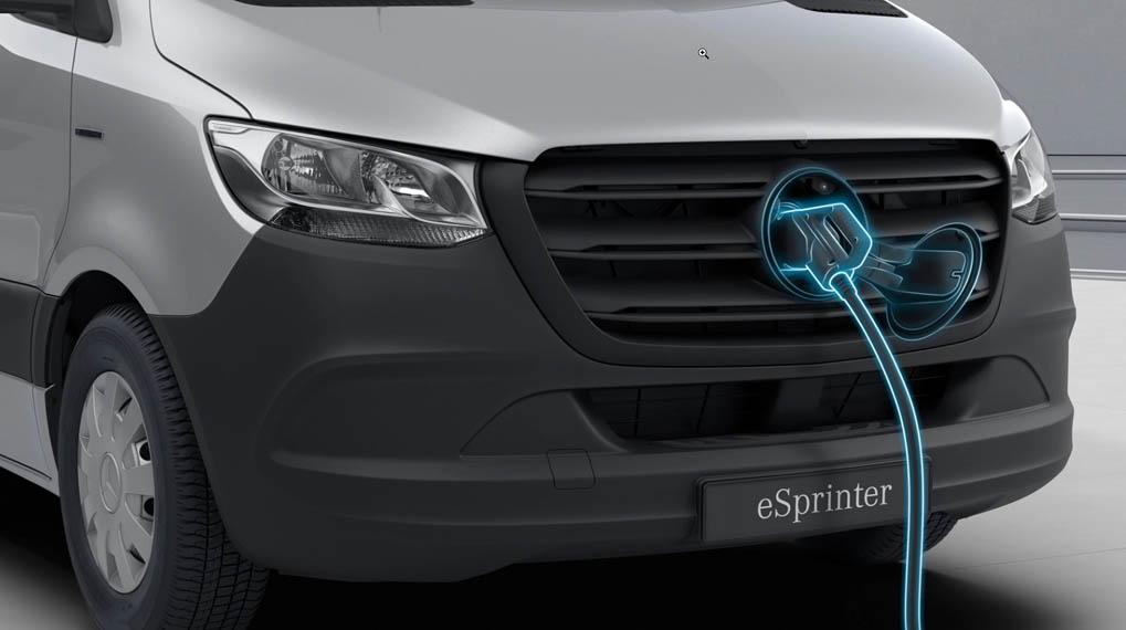 mercedes-benz_sprinter-furgoneta-electrica-cargando2