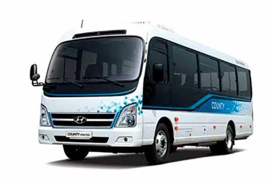 Hyundai lanza su primer minibus eléctrico de 128 kWh