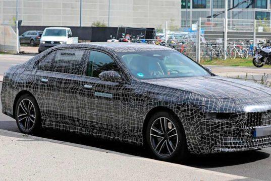 BMW i7, la berlina eléctrica de BMW cazada por carretera abierta