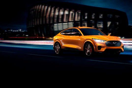 Ford actualiza el Mustang Mach-E GT con una aceleración de 0 a 100 km/h en 3.5 segundos