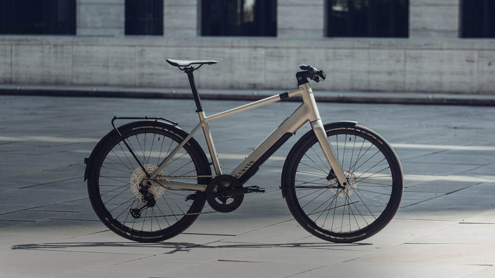 canyon-commuter-on