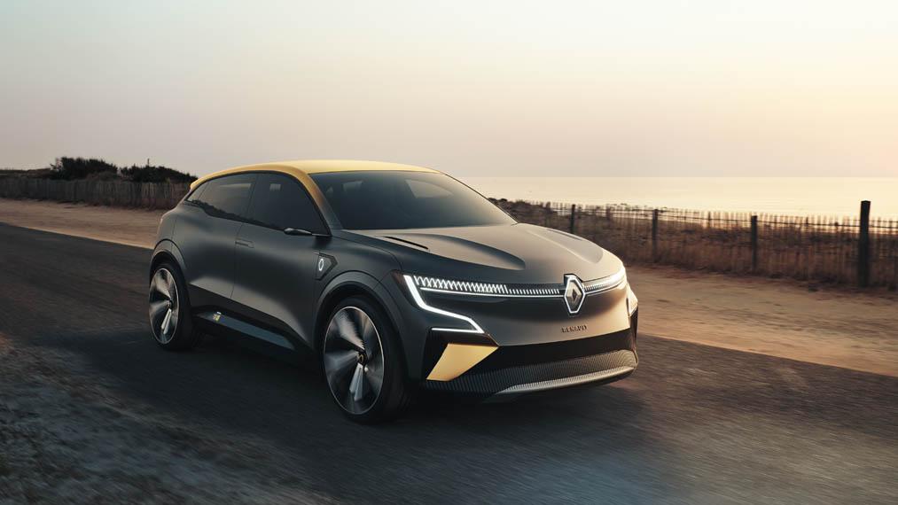 Renault-Megane-eVision_movimiento