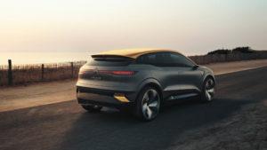 Renault-Megane-eVision_trasera-movimiento
