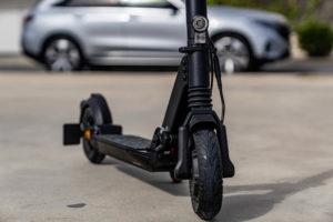 mercedes-benz-eScooter_forntal-ruedas