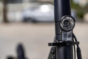 mercedes-benz-eScooter_luz-delantera