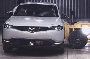 Mazda-MX-30-pruebas-Euro-NCAP_lateral