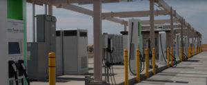 estacion-carga-volkswagen-desierto-Arizona-EEUU_diferentes-tipos-estaciones-carga-proveedores