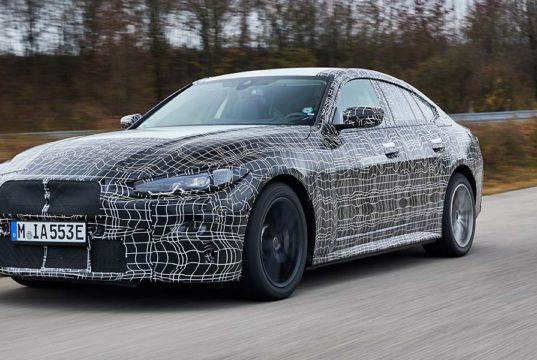 El BMW i4 se muestra en un test final antes de la su presentación oficial