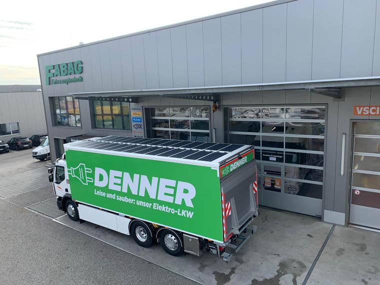 camion-electrico-renault-trucks-d-wide-ze-adquirido-Rhyner-Logistik-equipado-paneles-solares_estacionado