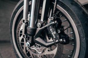 motocicleta-electrica-Sondors-Metacycle_frenos-Bybre-Brembo