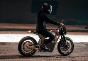 motocicleta-electrica-Sondors-Metacycle_piloto
