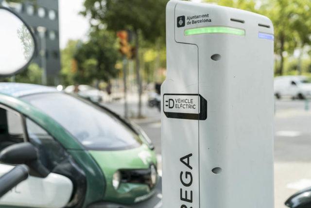 punto-recarga-publico-vehiculos-electricos-Barcelona_1