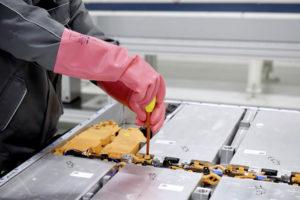 piloto-planta-reciclaje-baterias-volkswagen-Salzgitter-Alemania_desmontaje
