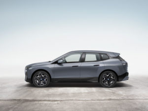 BMW-iX_color-gris-lateral