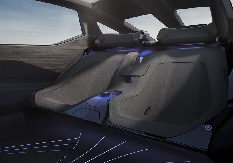 Lexus-LF-Z-Electrified-concept_interior-plazas-traseras