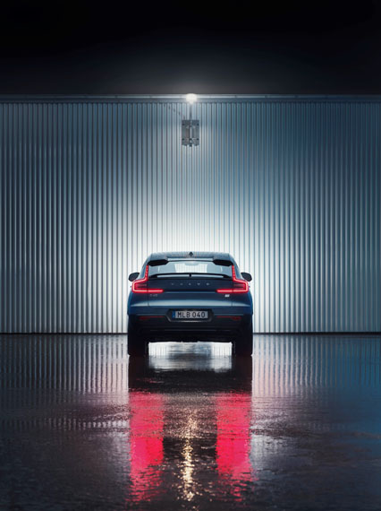 Volvo-C40-Recharge_trasera-luces