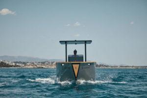 barco-electrico-X_Shore_Eelex_8000-frontal