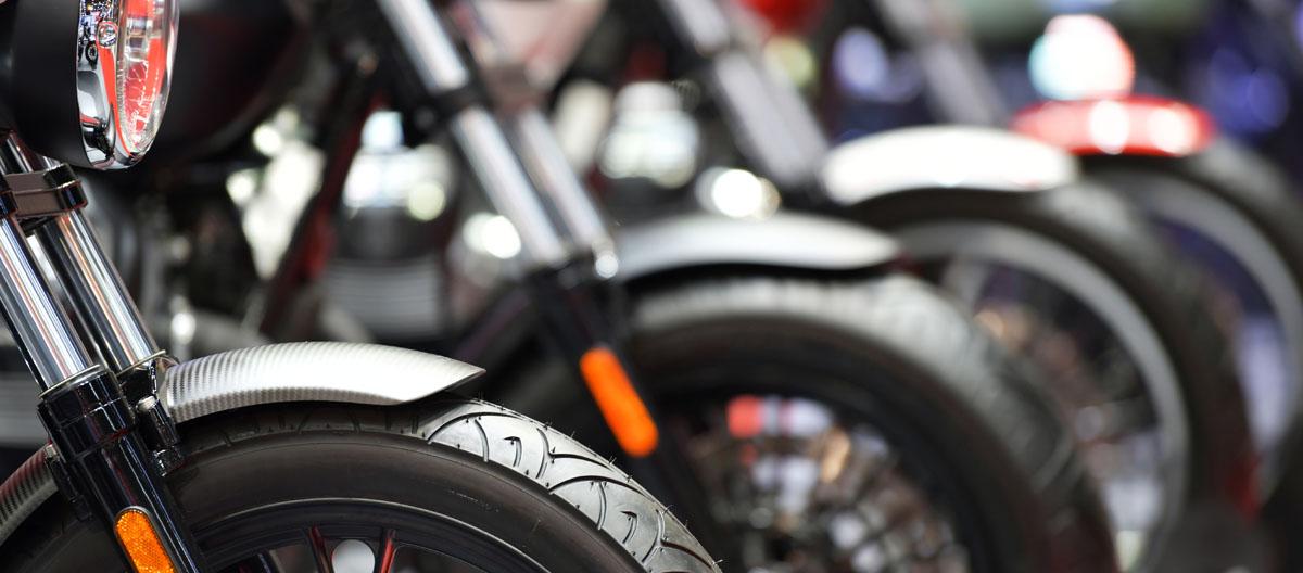 motocicletas-estacionadas
