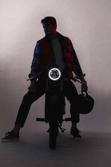 nueva-motocicleta-electrica-Famel-E-XF_frontal-v