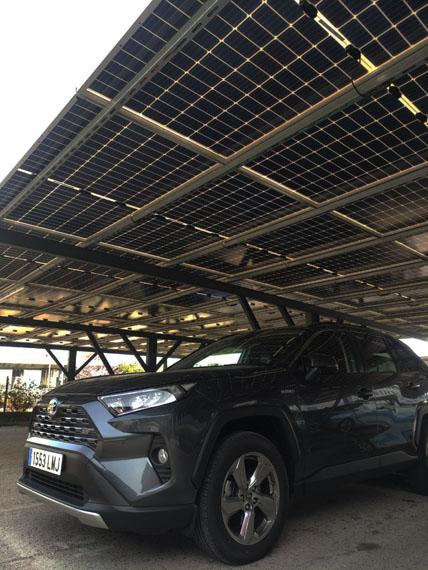 paneles-fotovoltaicos-instalacion-sede-Toyota-Madrid_parking3