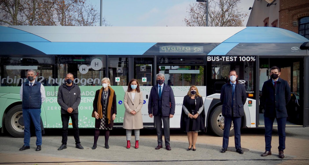primer-autobus-hidrogeno-España-Madrid_presentacion-Solaris-Urbino-12-Hydrogen