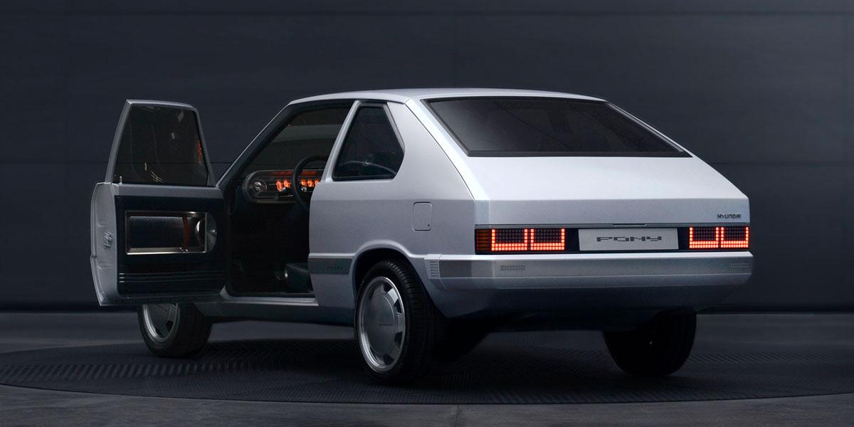 Hyundai-Heritage-Series-PONY_trasera