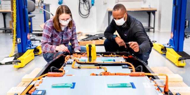 Laboratorio-Pruebas-Evaluacion-Baterias- Ford