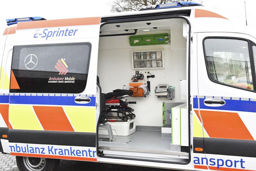 Mercedes-Benz-eSprinter_ambulancia_interior