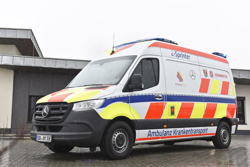 Mercedes-Benz-eSprinter_ambulancia_lateral