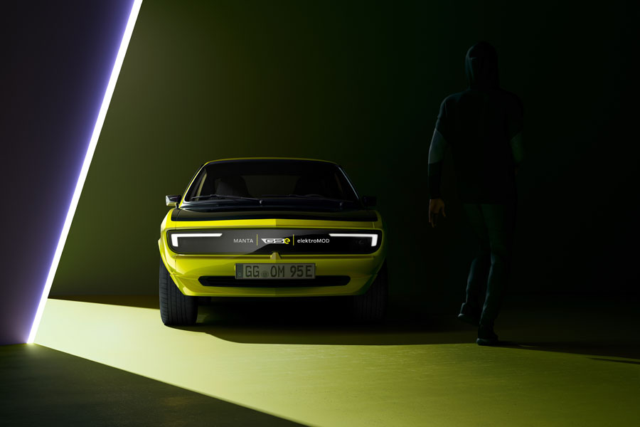 Opel-Manta-GSe-ElektroMOD_Pixel-Vizor-Mensaje3