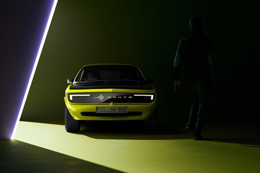 Opel-Manta-GSe-ElektroMOD_Pixel-Vizor-Mensaje4