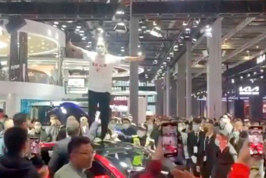 Tesla ha tenido un salón del Automóvil de Shanghai movidito