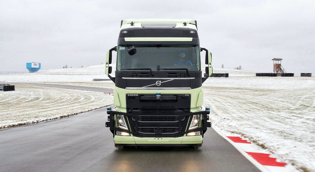 camion-asociacion-Aurora-Volvo_Pistachio