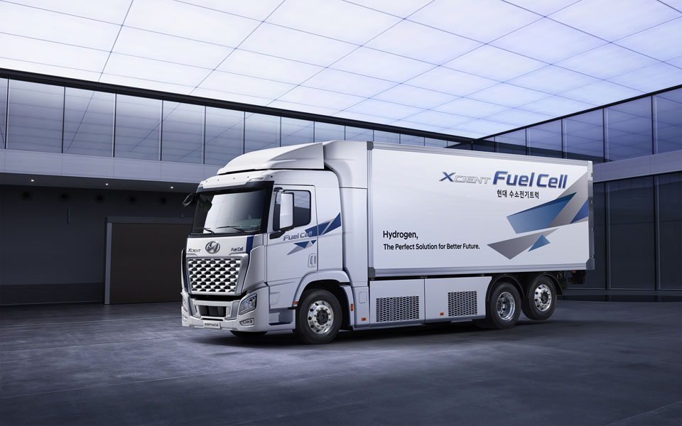 Camion-pila-combustible-hidrogeno_Hyundai-XCIENT-Fuel-Cell_2021-lateral