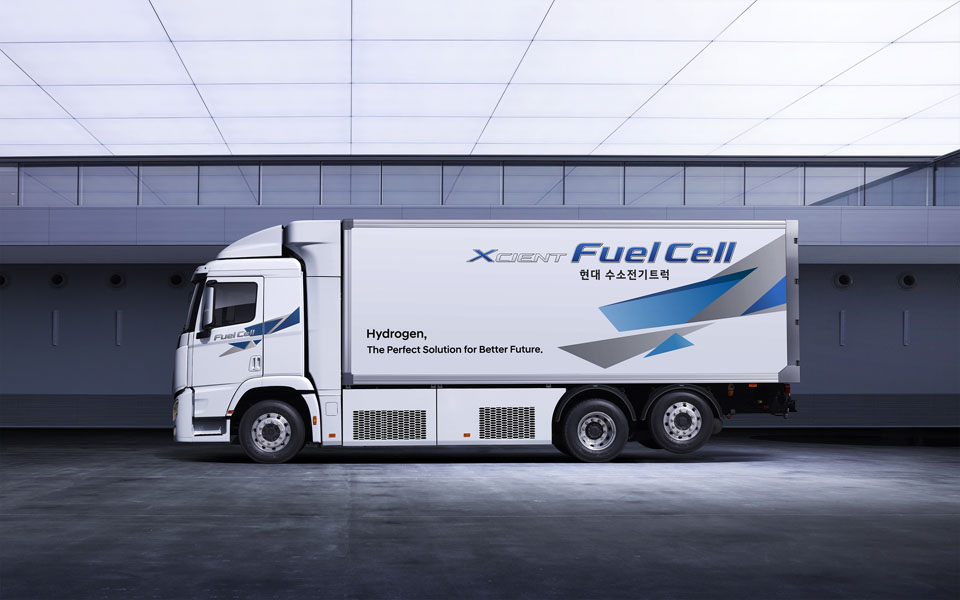 Camion-pila-combustible-hidrogeno_Hyundai-XCIENT-Fuel-Cell_2021-lateral2