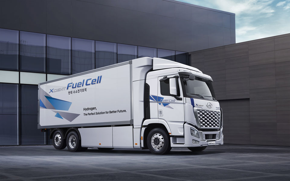 Camion-pila-combustible-hidrogeno_Hyundai-XCIENT-Fuel-Cell_2021-lateral3