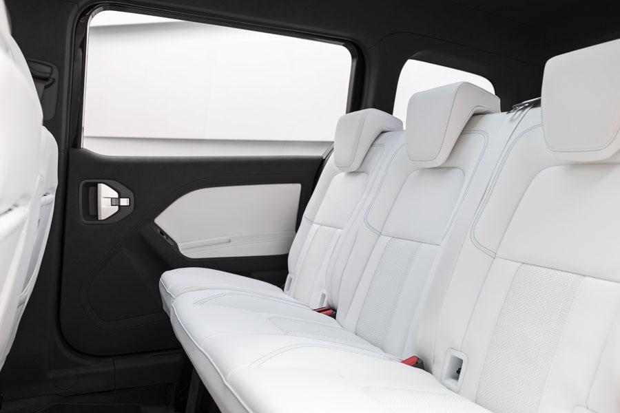 Mercedes-Benz-EQT_concept_asientos-traseros