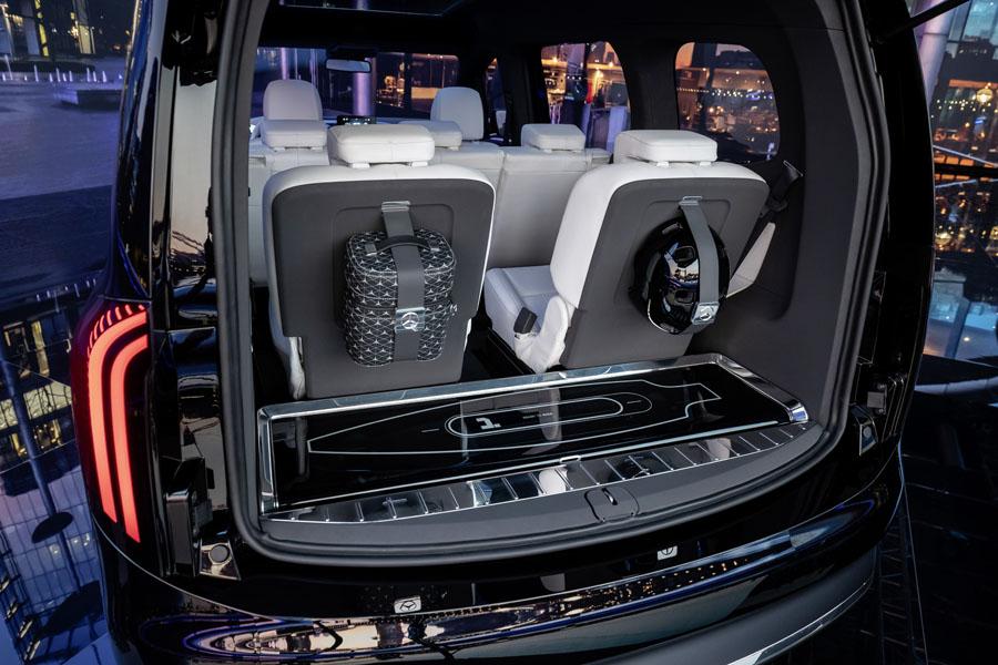 Mercedes-Benz-EQT_concept_maletero